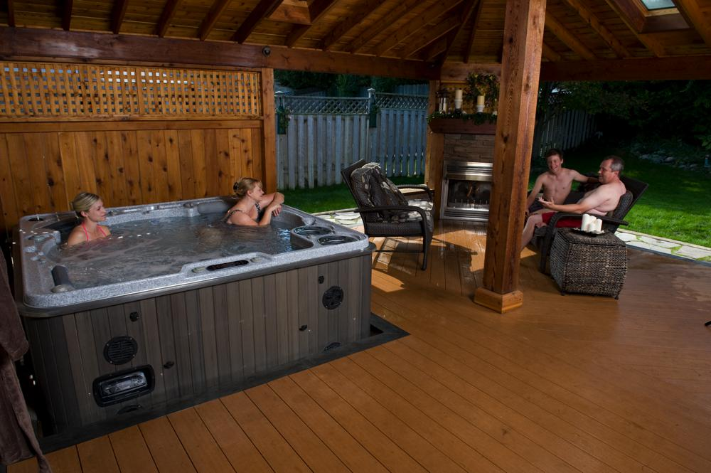Hydropool Hot Tubs - Hydropool Devon - Self Cleaning Hot Tubs For ...