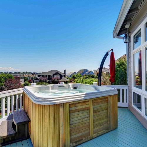 Devon located Hydropool hot tub & Swim Spa retailer. We keep a range of models and chemicals in our hot tub showroom, as well as offering service packages.