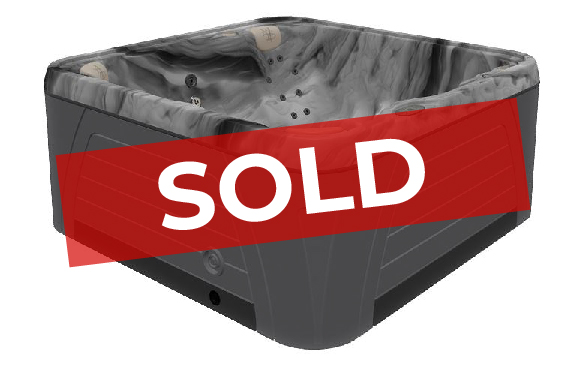 5500 hot tub black opal